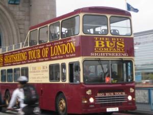 Лондон можно осмотреть на таком автобусе