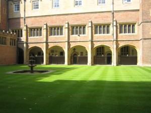 Внутренний двор итонского колледжа