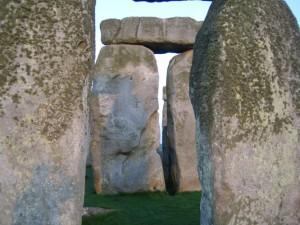 Древние камни восхищают людей всех возрастов