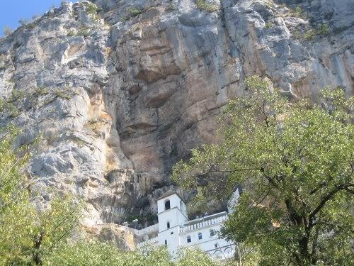 Монастырь Острог в Черногории: как добраться