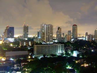 Город Бангкок вечером